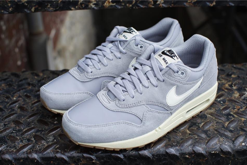 Nike Air Max 1 Essential Matte Silver